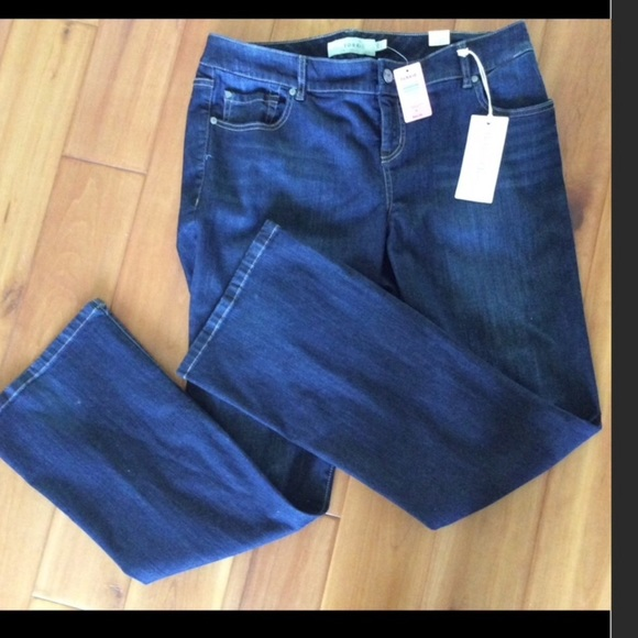 Torrid relaxed boot Jeans size 14R x 33 NWT